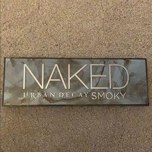 Naked Urban Decay Smoky Eyeshadow Palette